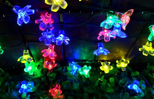 LED太阳能彩色桃花灯串
