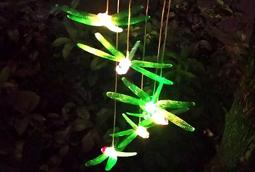 LED黑色盖太阳能彩色蜻蜓风铃灯