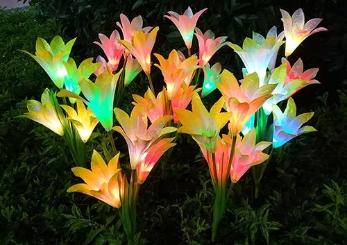led太阳能4头百合花灯