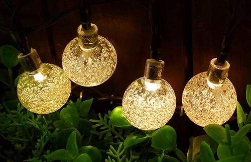 LED太阳能暖白圆球灯串