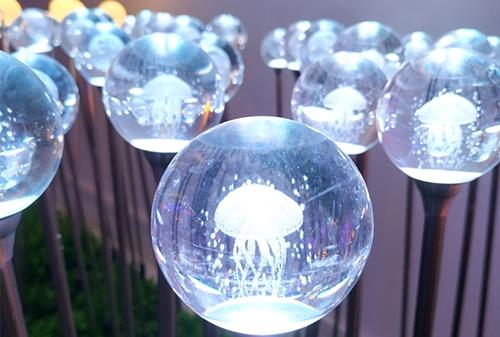 LED亚克力圆球水母灯
