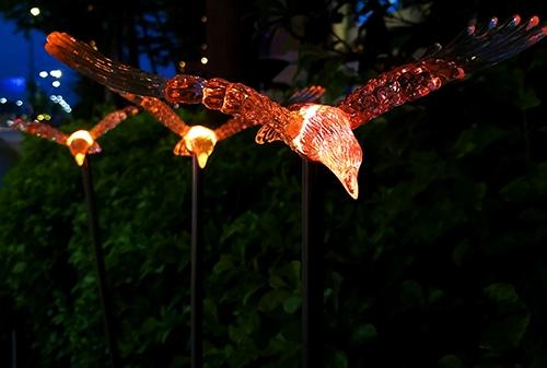 LED太阳能老鹰灯